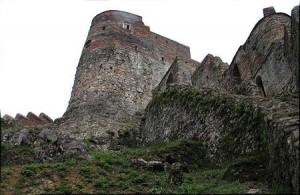 قلعه آیتوس